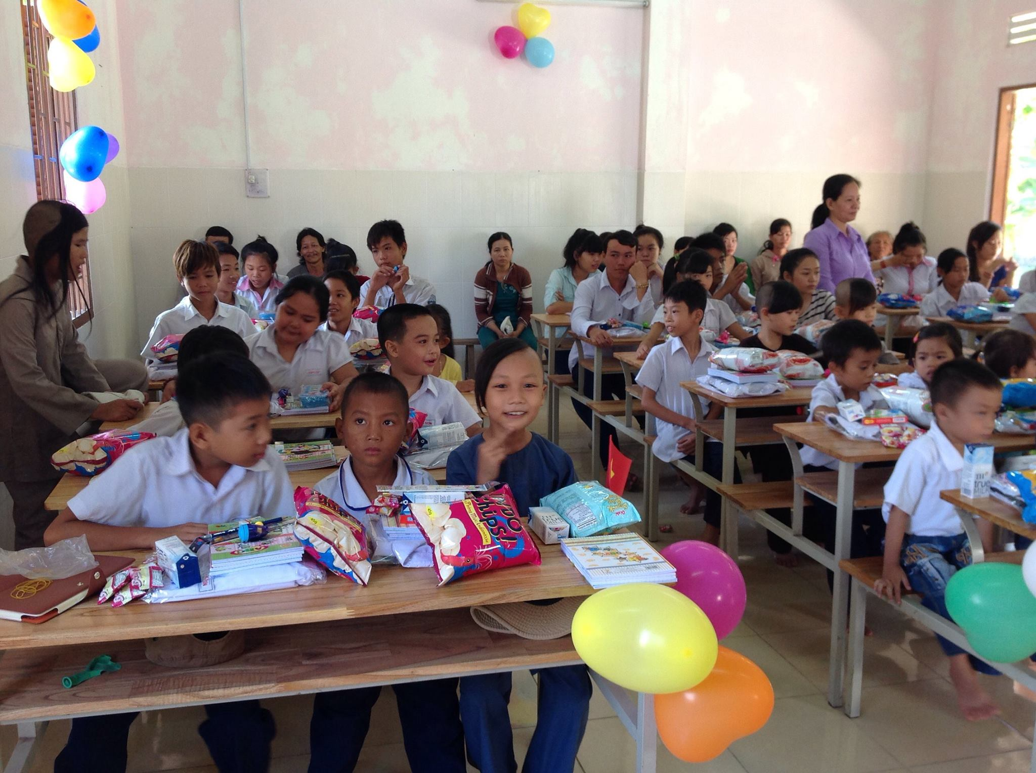 essay on charity and charity schools Charity: high schools ap english charity many people donate to charity in their everyday lives, while others do it as an assignment individuals even give to charity just to receive money, gifts, or bonuses in return.